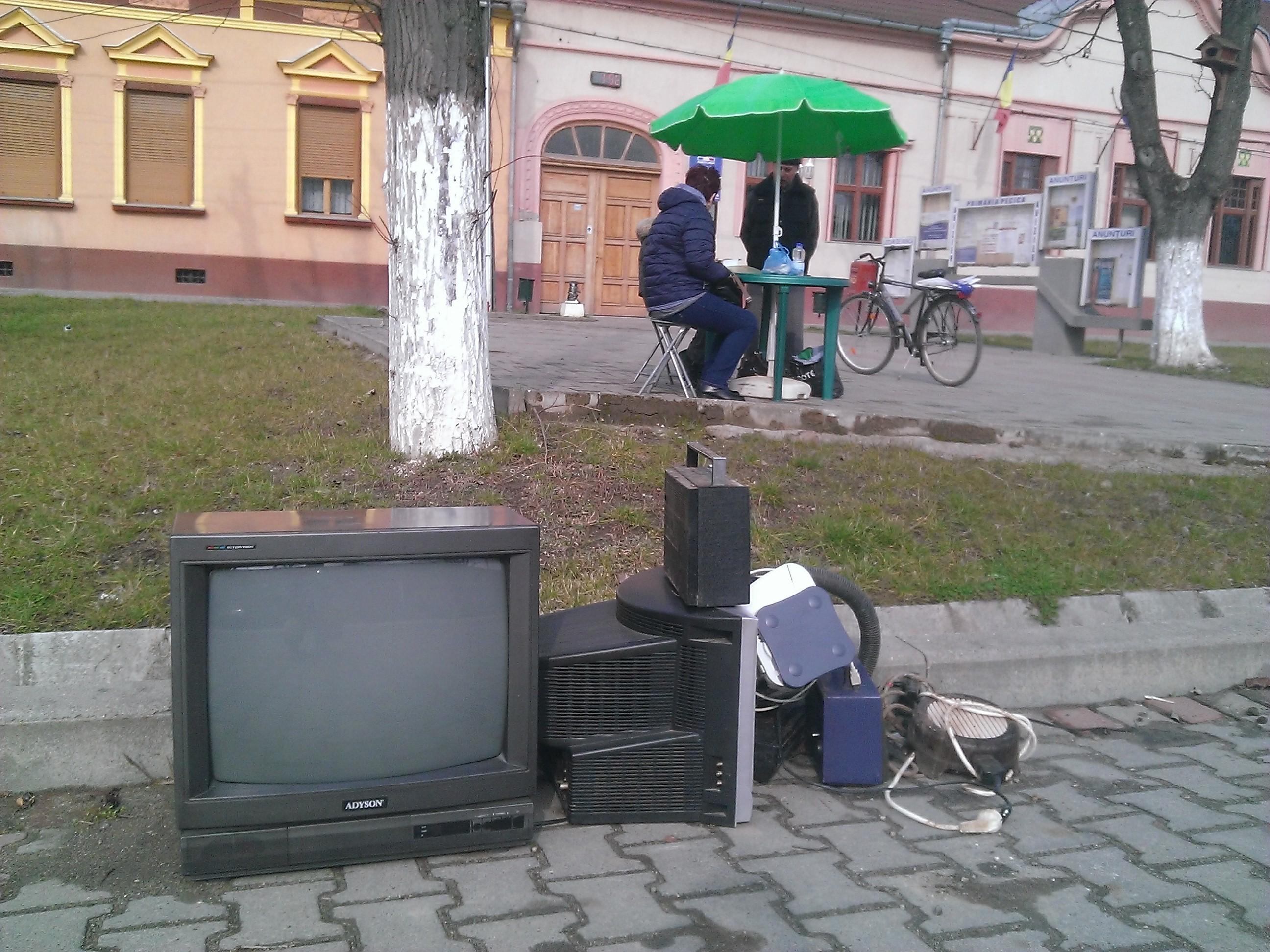 Sâmbătă se colectează deşeurile electrice şi electronice