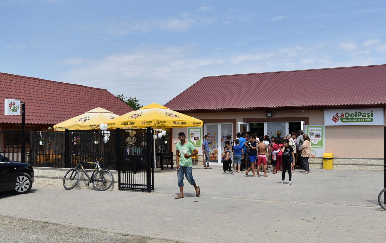 Un nou lanț de magazine în oraș (GALERIE FOTO)
