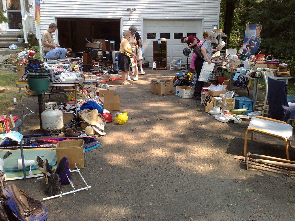 Garage sale sâmbătă şi duminică, la Salină