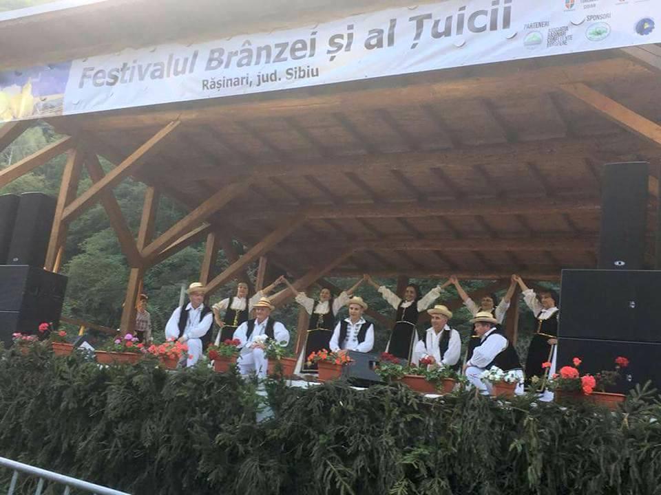 Pita de Pecica şi tradiţiile locale, promovate în judeţul Sibiu