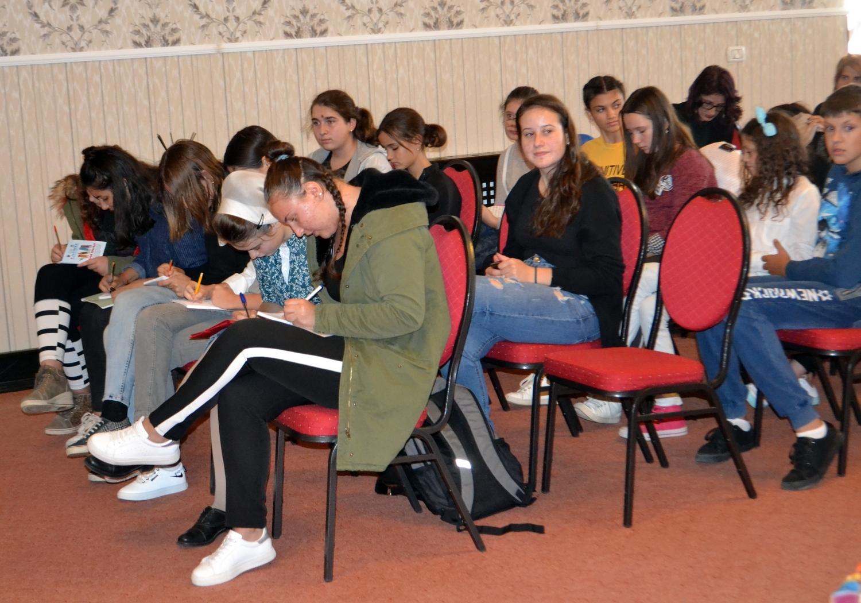 Atelier literar: cum să înveţi să scrii poezii? (GALERIE FOTO)