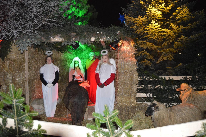 "Betleem viu în grădina Bisericii Romano-Catolice ""Sfânta Treime"""