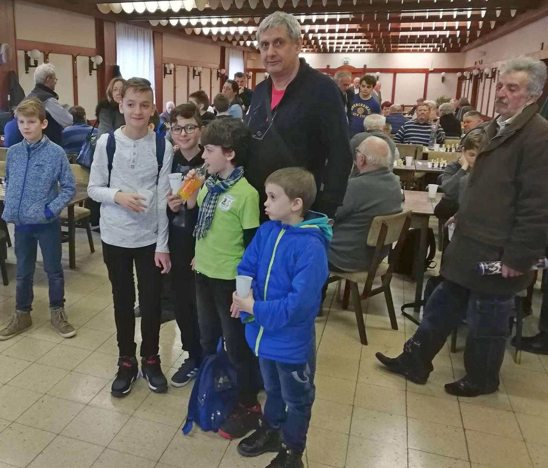 Micii şahişti pecicani, la concurs în Ungaria