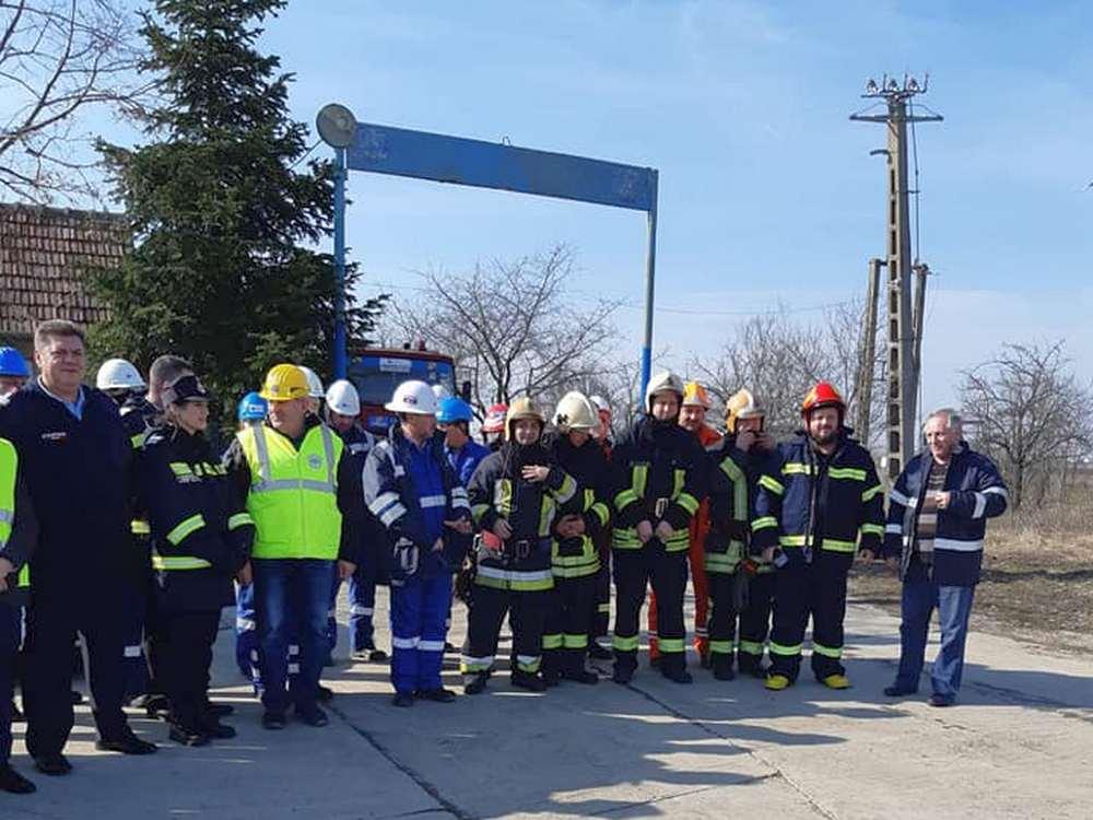 Exerciţiu şi intervenţii în serie pentru pompierii pecicani