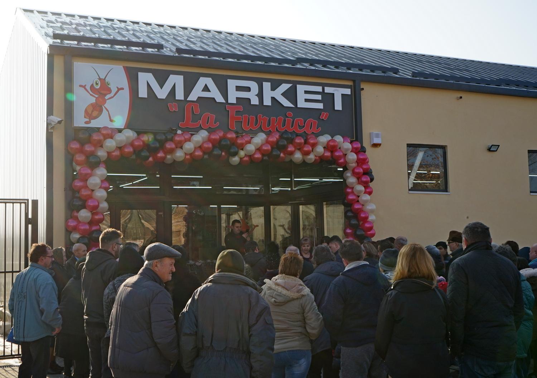 Noul magazin Furnica și-a deschis porțile (GALERIE FOTO