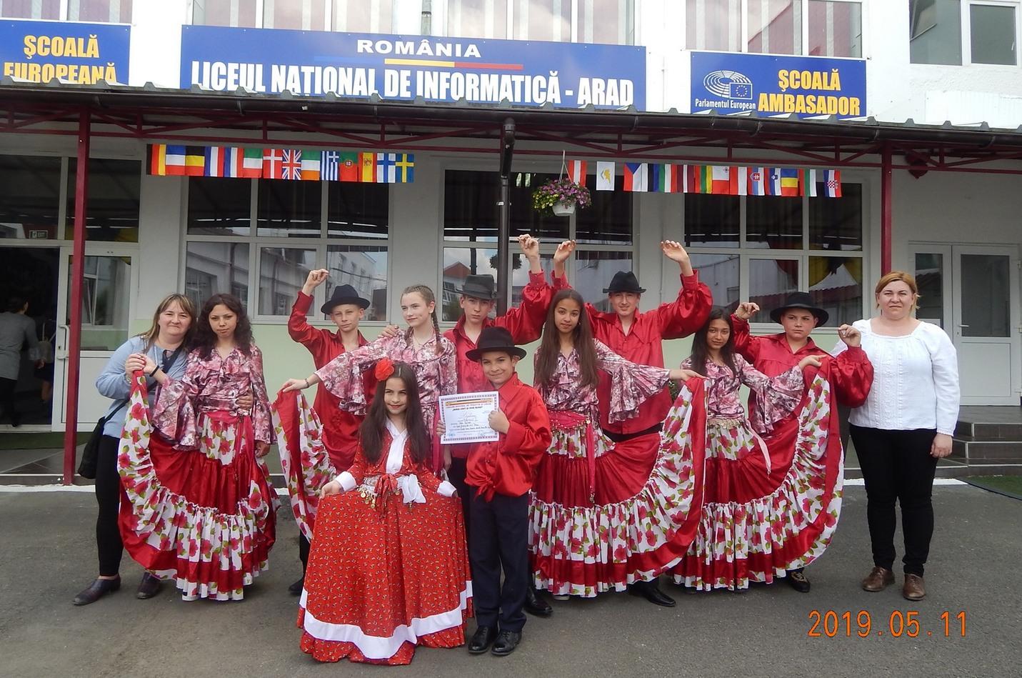 Zi cu soare şi premii pentru elevii Şcolii Gimnaziale Nr. 2 Pecica (GALERIE FOTO)