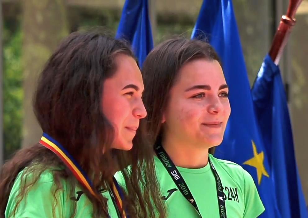 Două surori din Turnu au parcurs 57 de kilometri în 12 ore