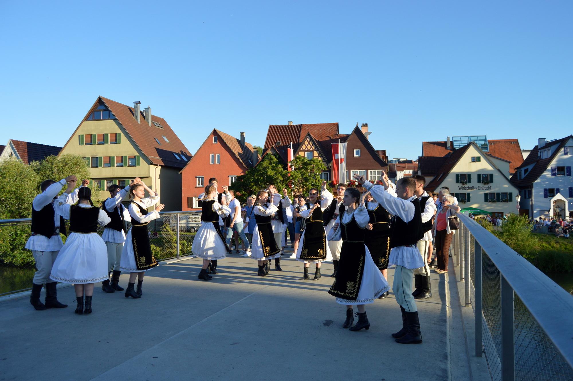 Dansatorii și pita de Pecica au impresionat germanii (GALERIE FOTO)