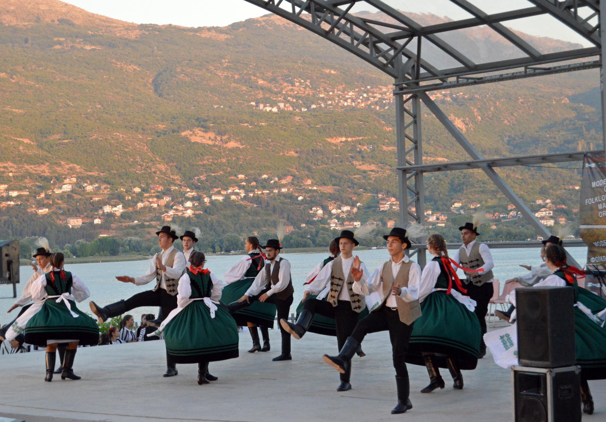 Ansamblul Búzavirág a făcut spectacol în Macedonia