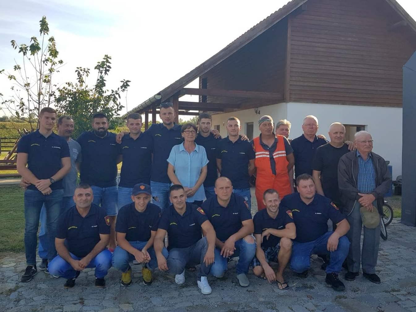 Pompierii voluntari, felicitaţi de ziua lor