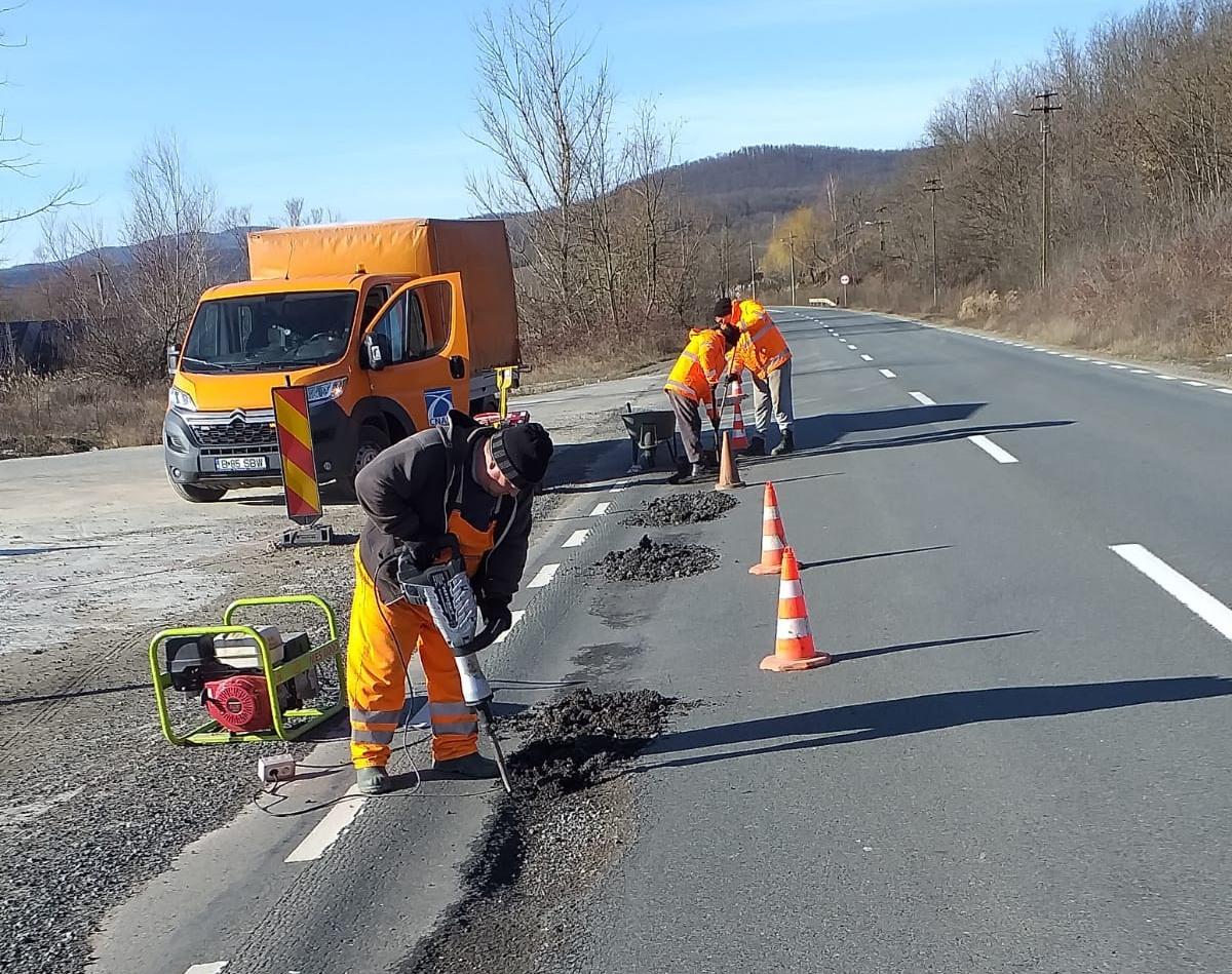 Lucrări de reparații pe Drumul Național 7