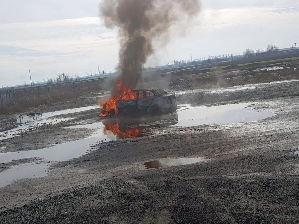 Victimă carbonizată în mașină, pe Drumul Turnului (GALERIE FOTO)