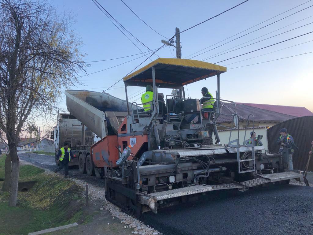 Proiectul de modernizare a străzilor, continuat până la sărbătorile de iarnă