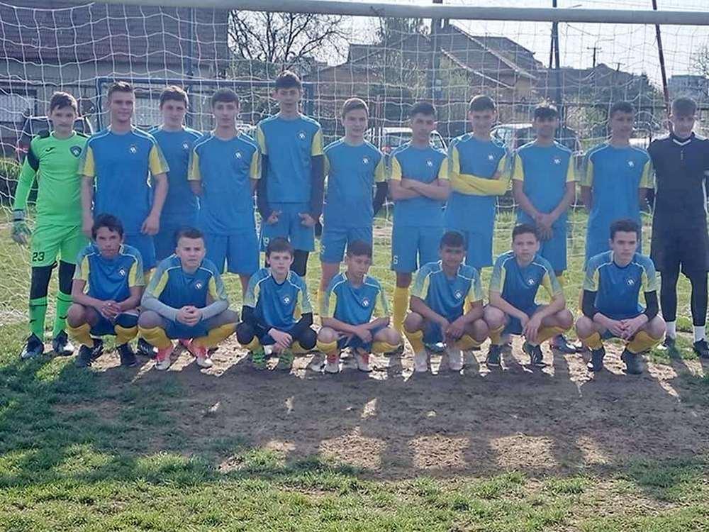 Tinerii fotbalişti pecicani au bătut UTA (GALERIE FOTO)
