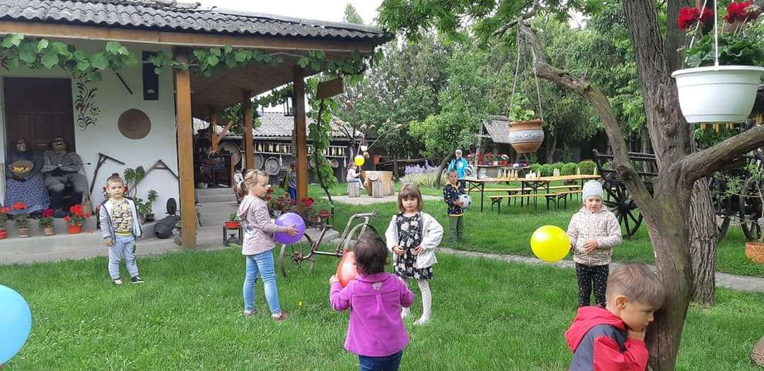 Ziua Copilului, sărbătorită la Turnu și Sederhat (GALERIE FOTO)