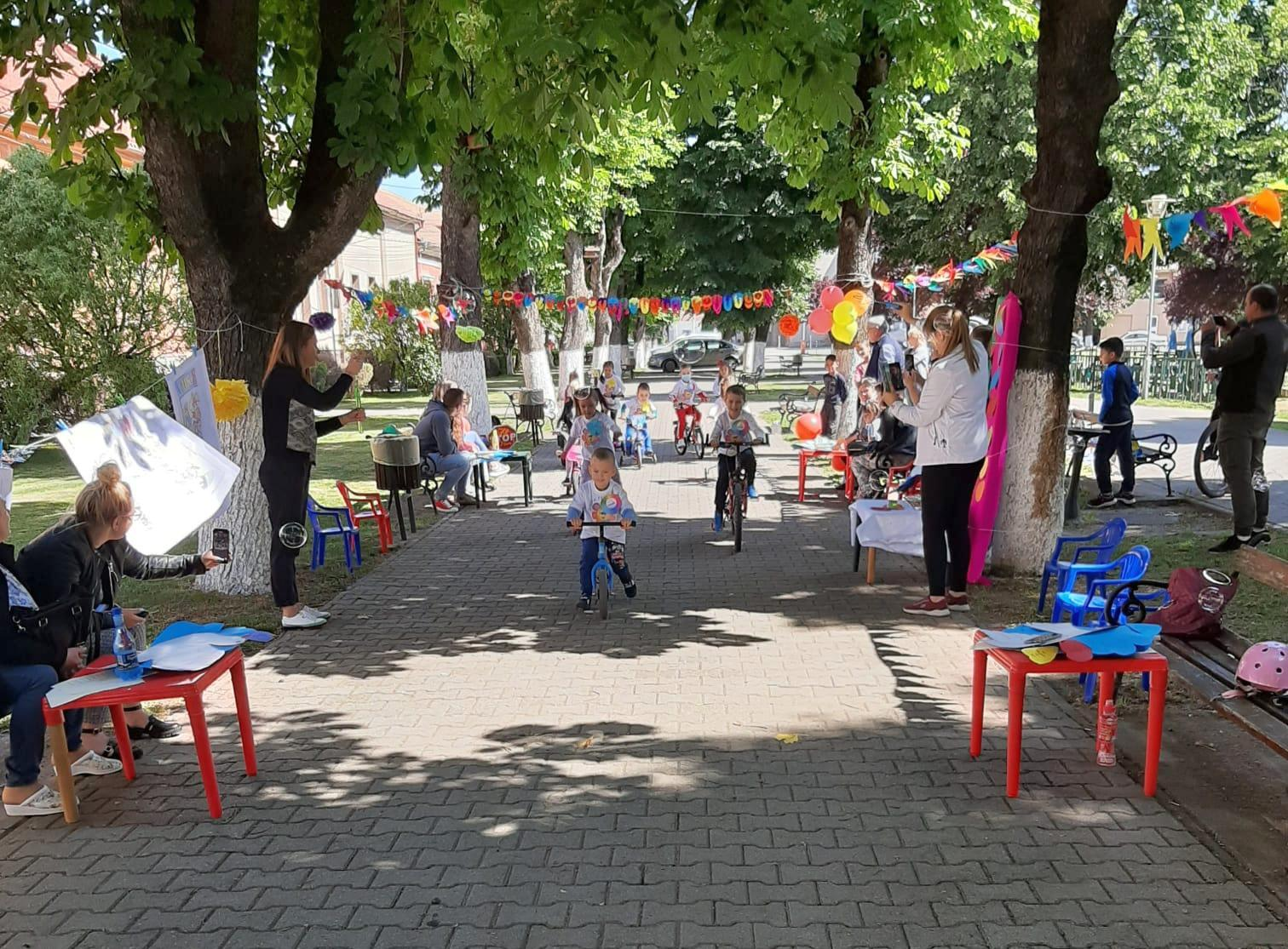Educație rutieră pentru cei mici, de ziua lor (GALERIE FOTO)