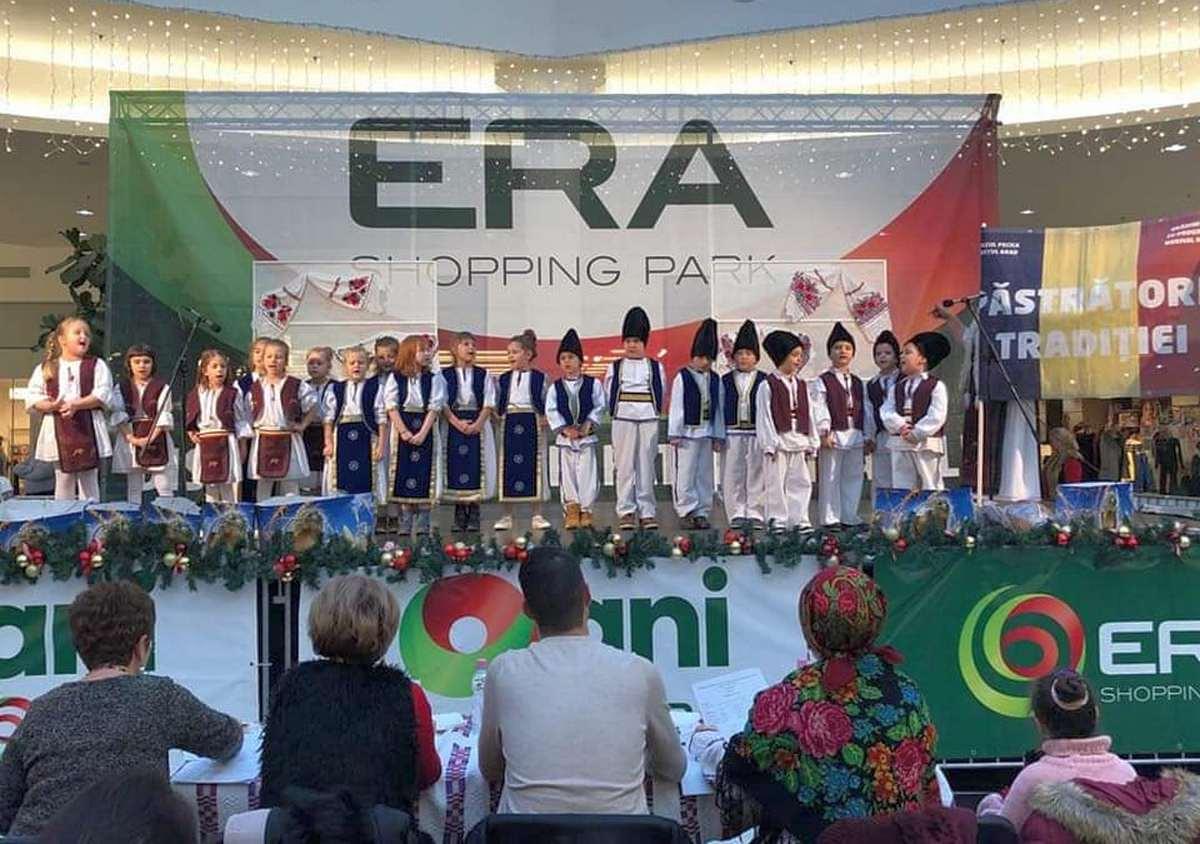 Copiii pecicani au cântat la Oradea