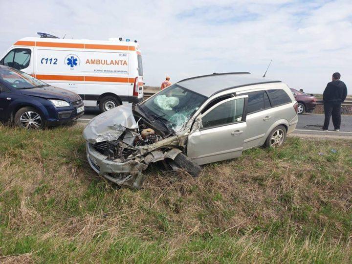 Patru autoturisme implicate într-un ACCIDENT soldat cu DOUĂ VICTIME (FOTO)