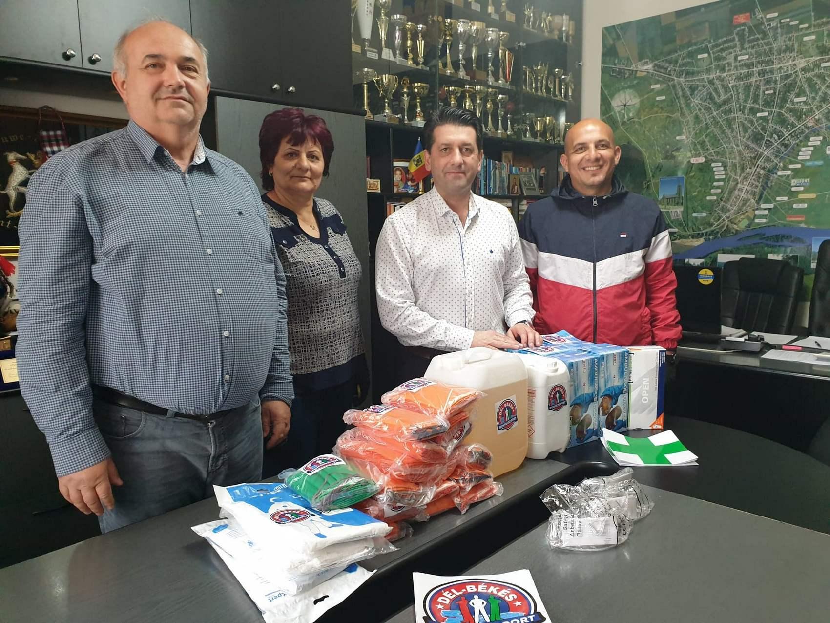 Material dezinfectant din Ungaria, donat mai multor localități arădene
