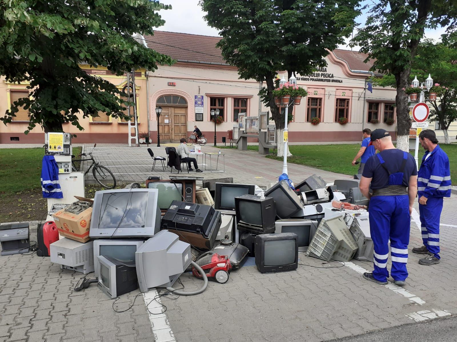 13 tone de deșeuri electrice şi electronice