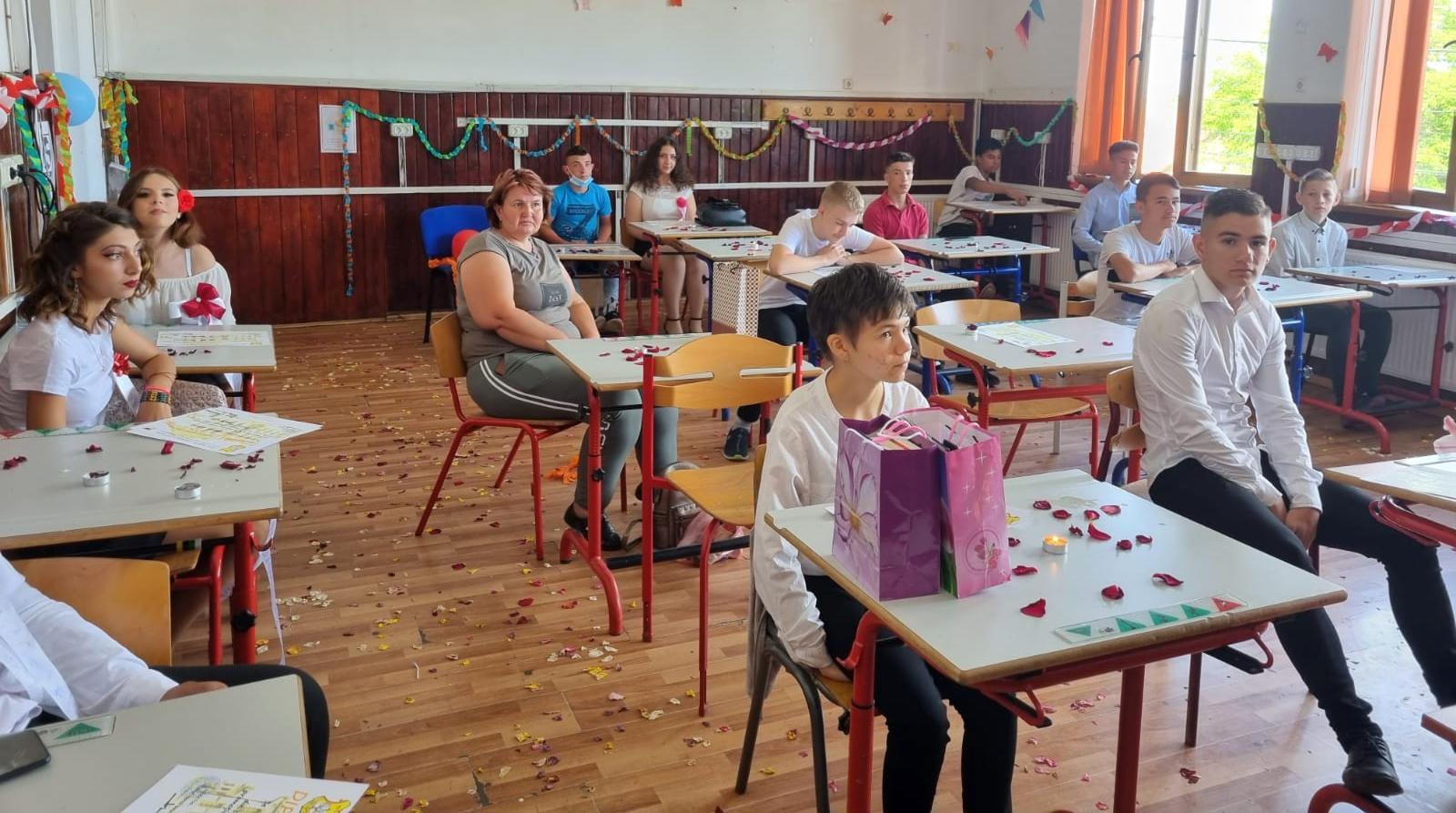 Ultimul clopoțel pentru clasele a VIII-a (GALERIE FOTO)